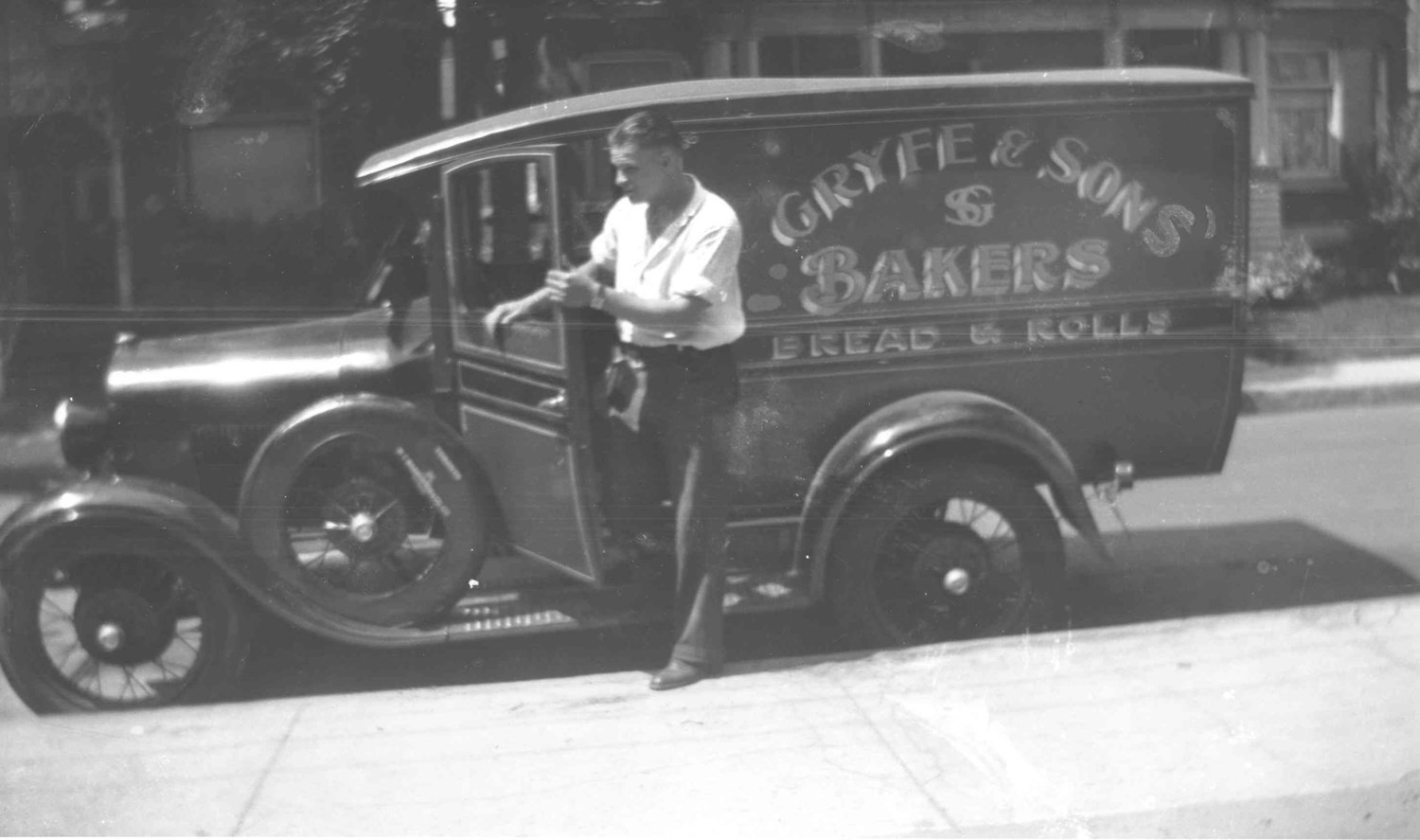 Bill Gryfe with S. Gryfe and Sons Bakery truck, ca. 1933. OJA, item 4520.
