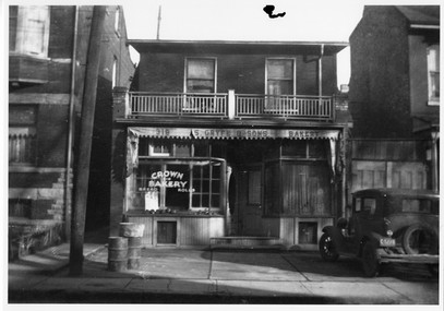 Crown Bakery, operated by the Gryfe family, 319 Augusta Avenue, ca. 1935. OJA, item 4521.