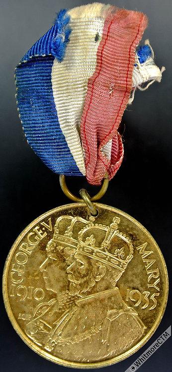1935 Sevenoaks Silver Jubilee Medal 35mm WE5703K By E.C.Pearson - Gilt bronze