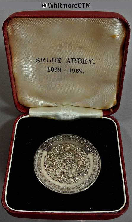 Selby Abbey 1969 900th Anniversary Medal 38mm Cupro-nickel. Cased. Proof