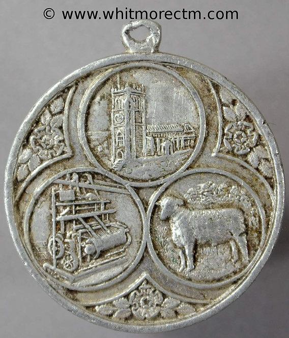 Bradford 1931 Historical Pageant Church, cotton machinery & sheep 32mm Aluminium