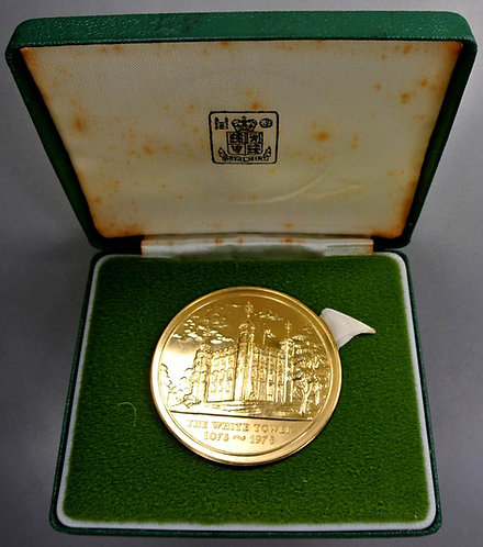 1978 900th Anniversary Tower of London Medal 51mm Royal Mint. Gilt bronze Cased