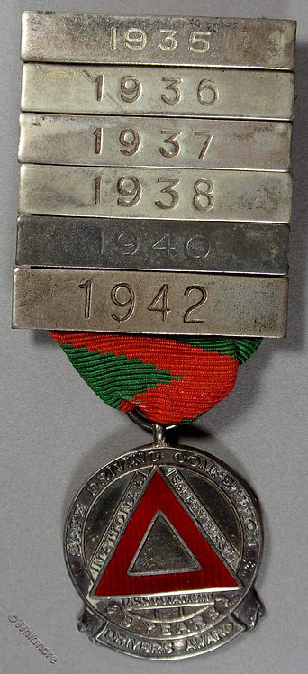 1935 National Safety First Association Competition Medal 28mm Silver 5 date bars obv