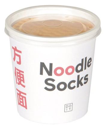 Noodle Socks in ihrer frechen Verpackung
