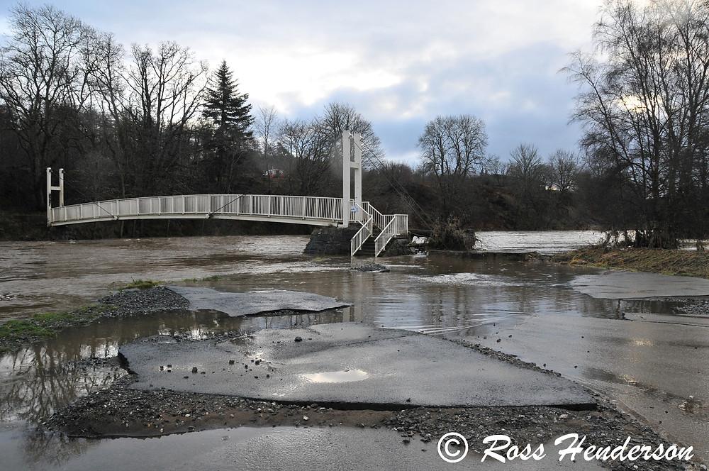 Flooding damage, Shakin' Brig