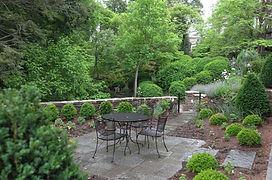 Lynchburg patio landscape.