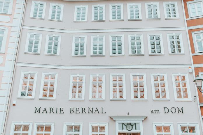 Marie Bernal am Dom