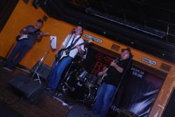 Михей и Роман, бас- и соло-гитары