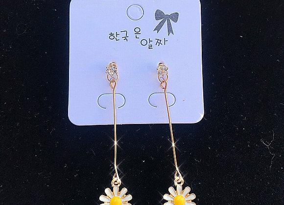 Flower Child Dangle Daisy Earrings