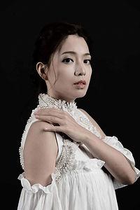 Gloria Tang 歌莉雅