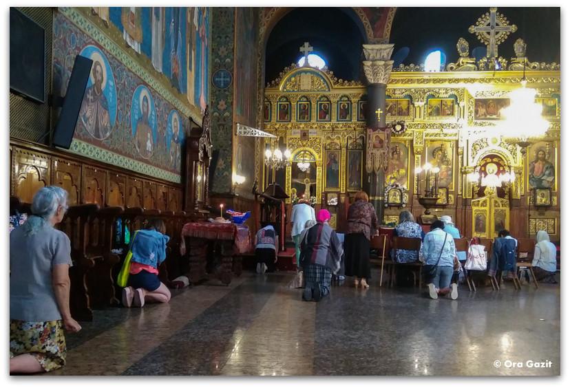 - תפילהסופיה בולגריה - טיול עירוני - קונצרט בכנסיה - שירת מקהלה