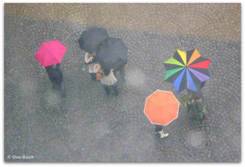 מטריות צבעוניות, מרכז פומפידו, פריז