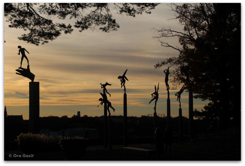 פסלים באור שקיעה- שטוקהולם