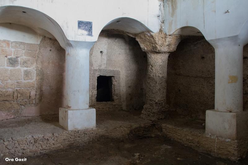 מערות קבורה - חיפה אל עתיקה - שביל חיפה - טרק - טיול בחיפה