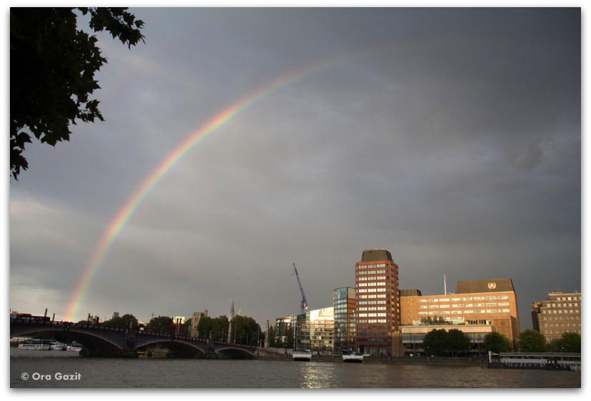 קשת מעל התמזה - לונדון - יומן מסע