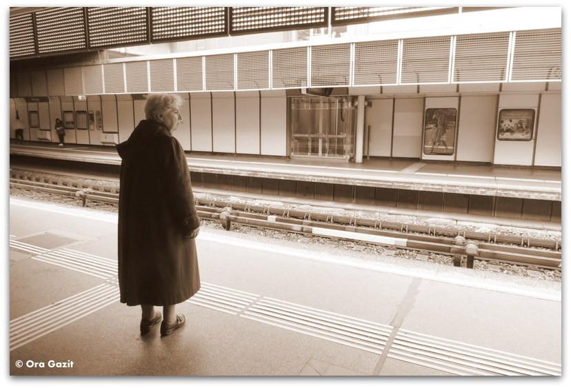 אשה בתחנת הרכבת - סיפור אהבה - ספרים מומלצים