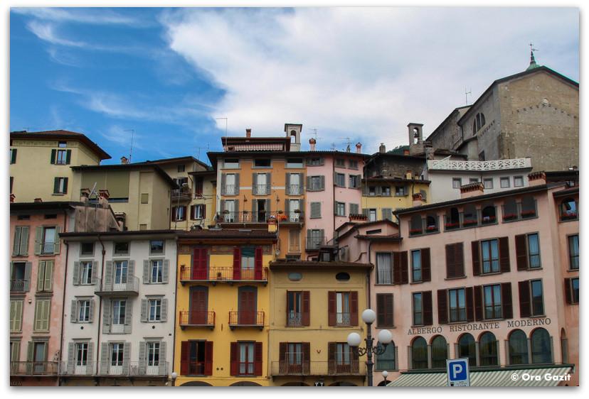בתים צבעוניים - אזור האגמים - צפון איטליה