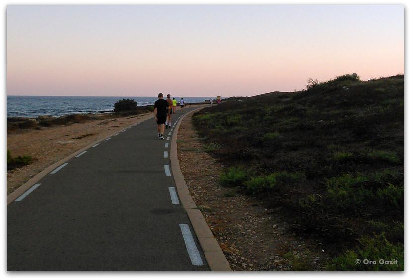 טיילת חוף - הליכה לירידה במשקל - איך להתחיל לעשות ספורט
