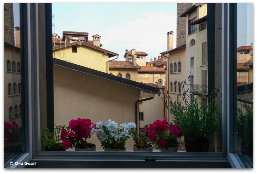 נוף מהדירה - ברגמו - טיול בנות
