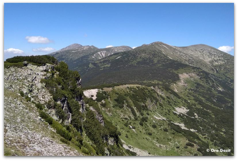 נוף הרים - טרק הרי רילה - טרקים בבולגריה - יומן מסע