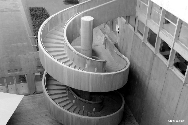 מדרגות ספירליות - אוניברסיטת חיפה - שביל חיפה - טרק - טיול בחיפה