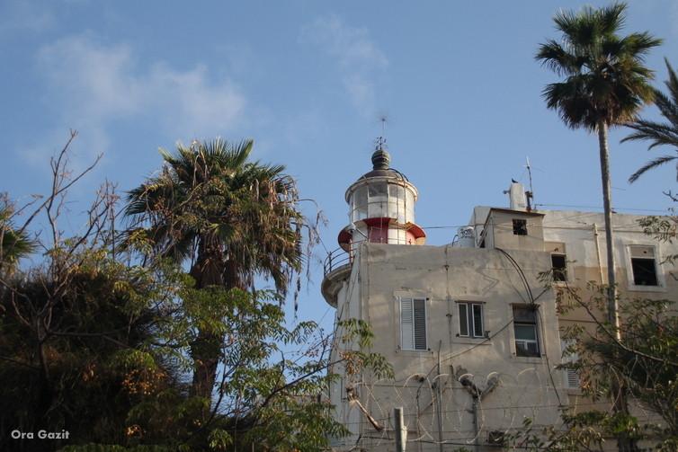 המגדלור בסטלה מאריס - שביל חיפה - טרק - טיול בחיפה