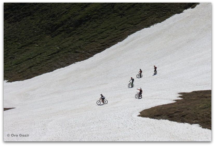 אופניים בשלג - טרק - סובב מון בלאן - יומן מסע