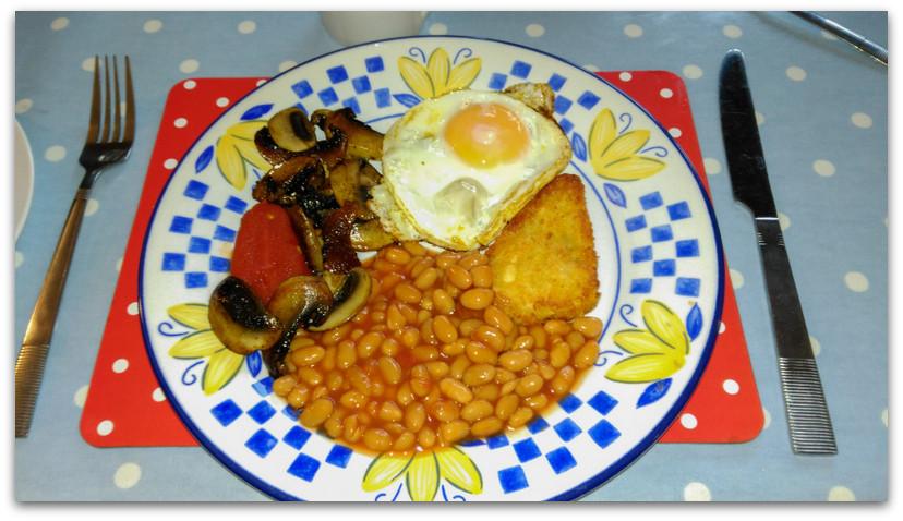 ארוחת בוקר אנגלית מסורתית - טרק - וולס