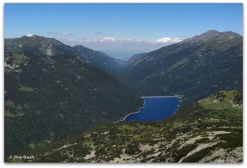 אגם  בין ההרים - טרק הרי רילה - טרקים בבולגריה - יומן מסע