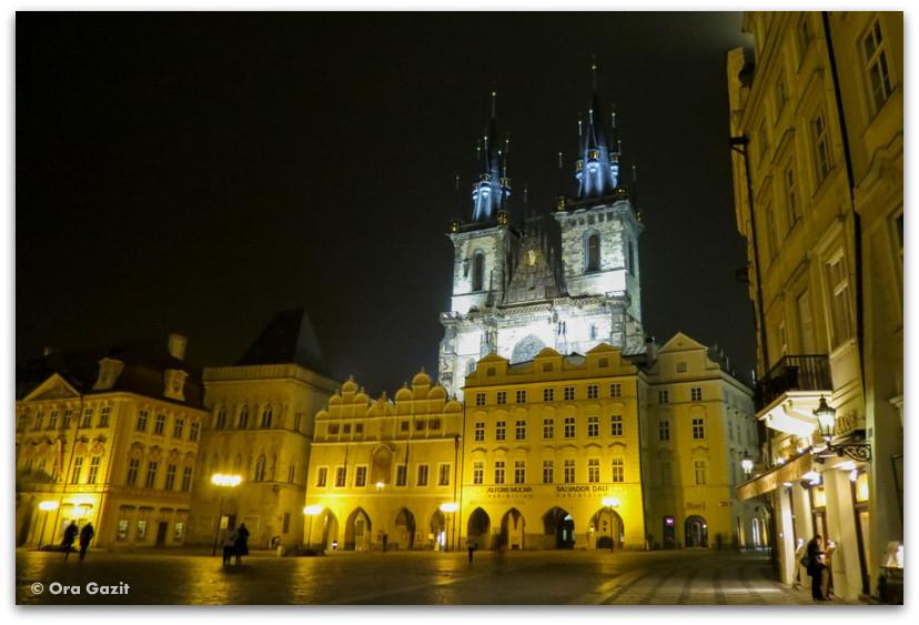 כיכר העיר העתיקה, לילה, פראג
