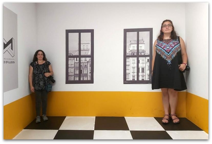 מוזיאון האשליות ורשה - אטרקציות בורשה - טיול בורשה - מה לעשות בורשה