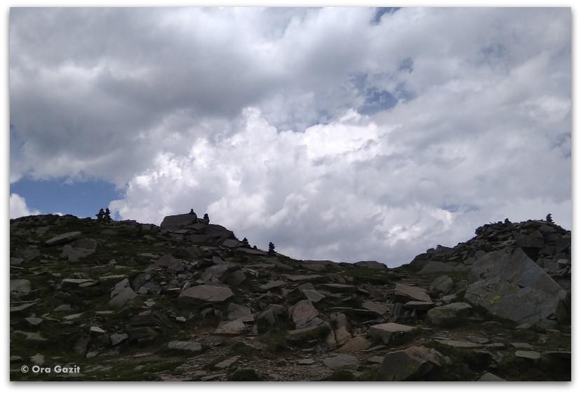 העליה לתצפית - שבעת האגמים - טרק הרי רילה בולגריה - יומן מסע
