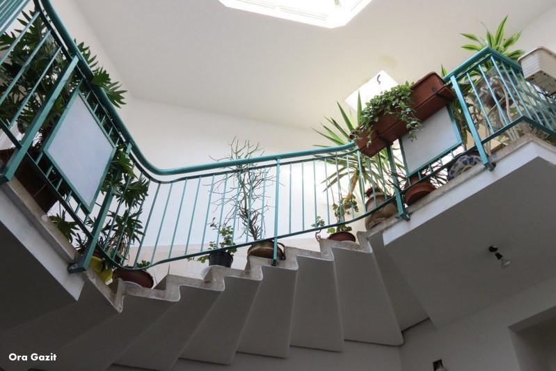 חדר מדרגות - שביל חיפה - טרק - טיול בחיפה