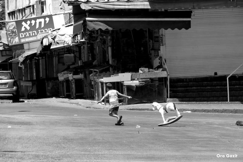 ילד וסוס - שוק תלפיות - שביל חיפה - טרק - טיול בחיפה