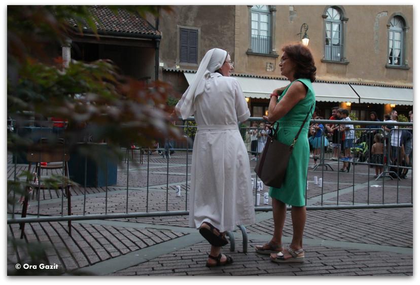 שתי נשים - טיול בנות - ברגמו