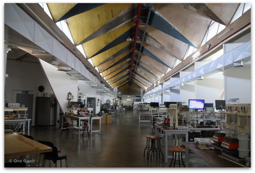 מעבדות דנציגר - אדריכלות בטכניון - סיורים בחיפה - בתים מבפנים - באוהאוס