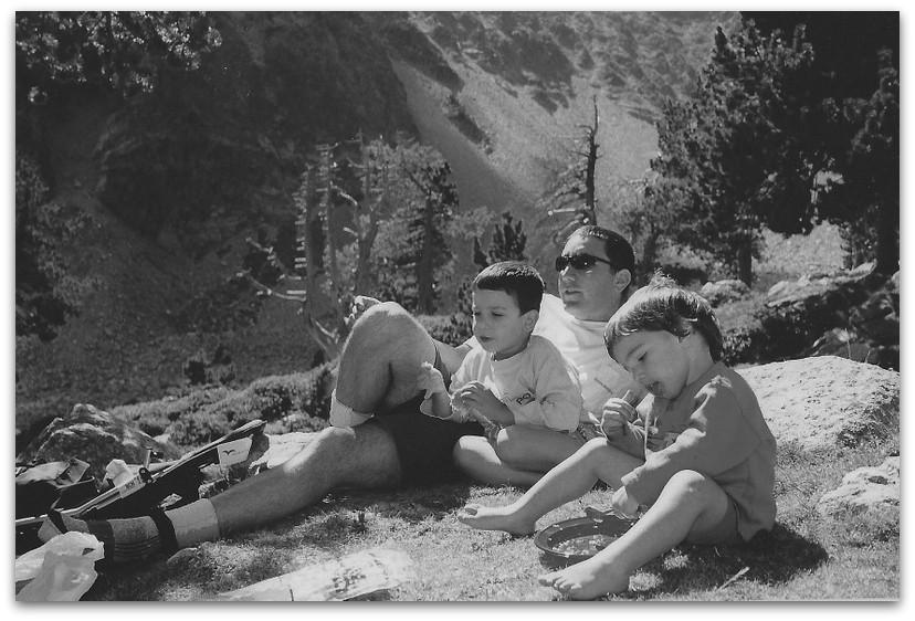פיקניק בטבע - הפירינאים הספרדיים - טיול משפחתי בספרד - אסון התאומים