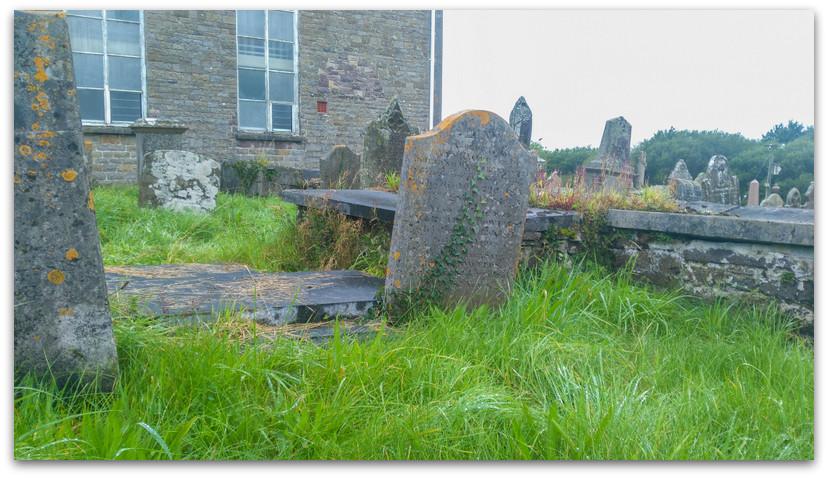 בית קברות - טרק - וולס