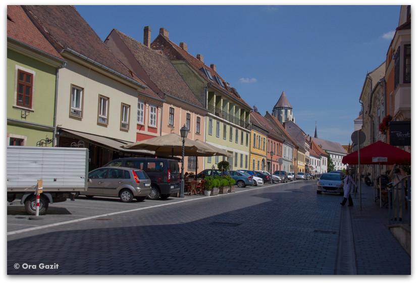 בתים צבעוניים - בודפשט - הונגריה
