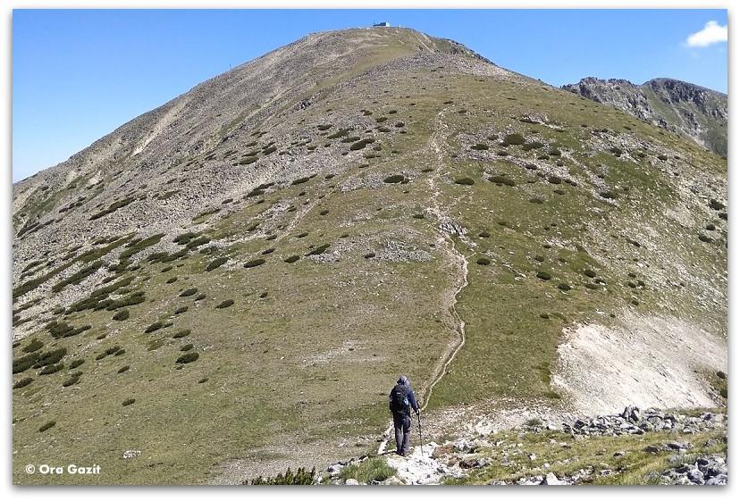 איש מטפס בהר - תמונות מספרות סיפור – טיפים לצילום – איך לצלם טוב