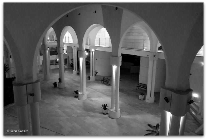 בית משותף בתכנון רם כרמי - סיורים בחיפה - בתים מבפנים - באוהאוס