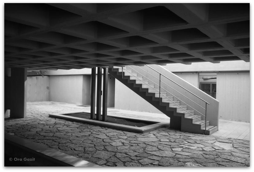 בית הכנסת אוהל אהרון - אדריכלות בטכניון - סיורים בחיפה - בתים מבפנים - באוהאוס