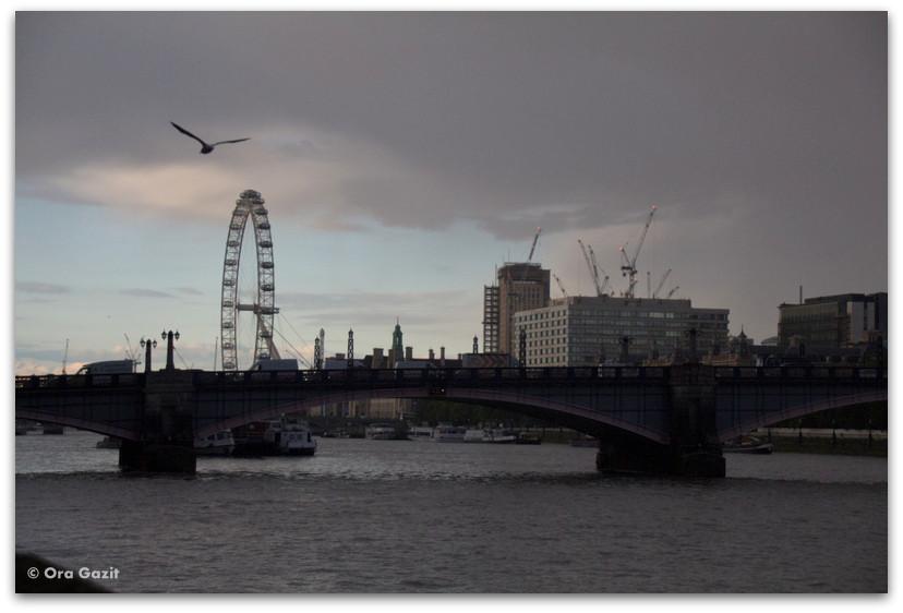 התמזה בשקיעה - לונדון - יומן מסע