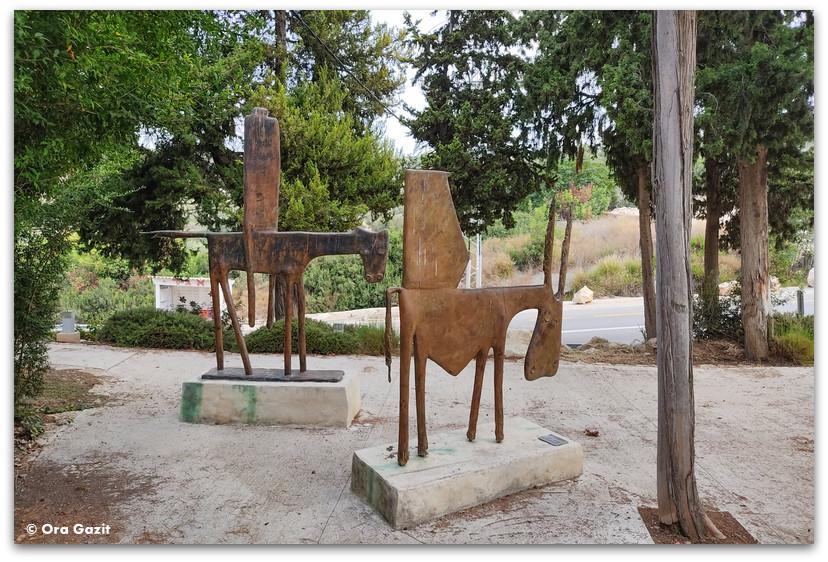 פסל סביבתי - כפר האמנים עין הוד - חנויות עיצוב - בוידם