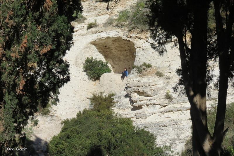 טיפוס במערה - נחל שיח - שביל חיפה - טרק - טיול בחיפה