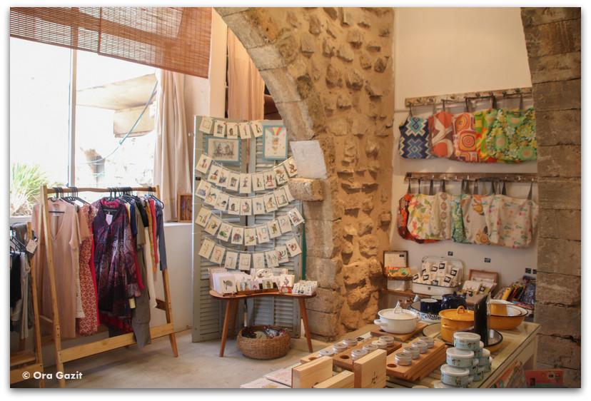 בתוך החנות - כפר האמנים עין הוד - חנויות עיצוב - בוידם