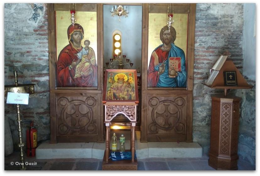 כנסיית סנט ניקולס - ספרבה בניה - טרק הרי רילה בולגריה - יומן מסע