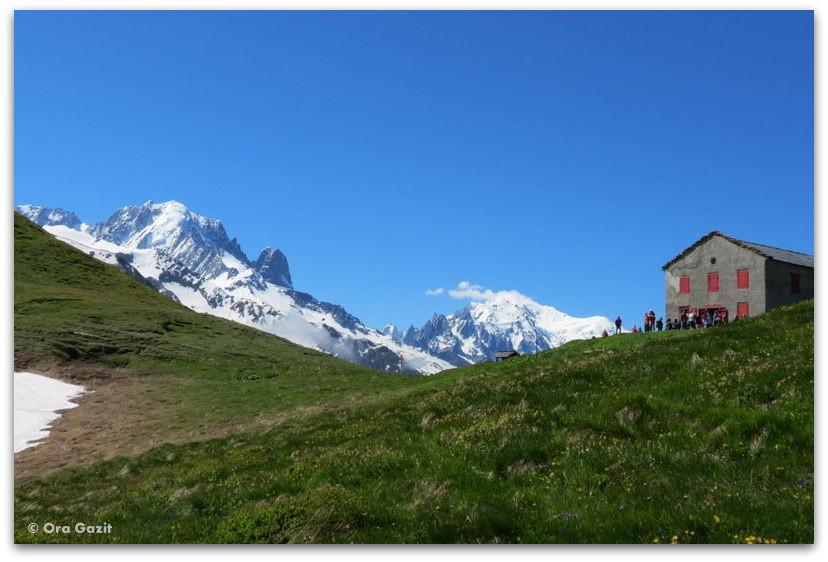 בקתה בהרים - טרק - סובב מון בלאן - יומן מסע