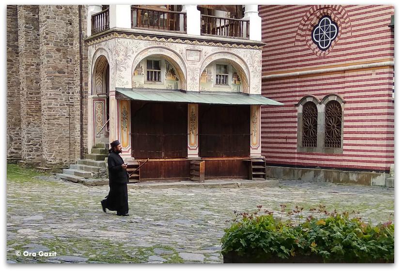 נזיר - מנזר רילה - טרק הרי רילה בולגריה - יומן מסע