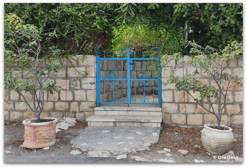 שער כחול - כפר האמנים עין הוד - חנויות עיצוב - בוידם